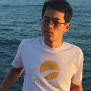Headshot of Sydney Liu